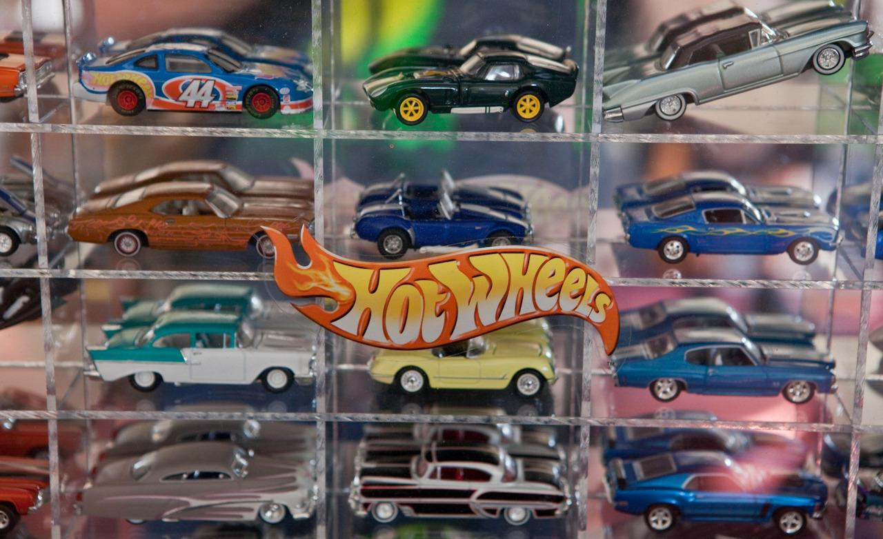 a-collection-of-hot-wheels-at-larry-woods-garage-photo-325928-s-1280x782